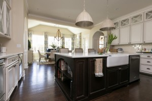 Lauren-Messina Low-Coutry-Kitchen 8.jpg.rend.hgtvcom.1280.853