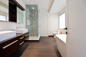 Porcelain-tile-with-the-look-of-wood